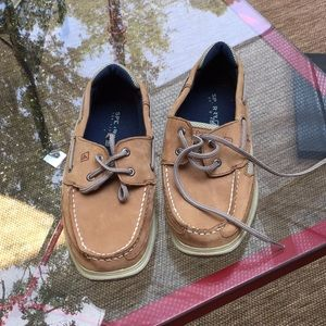 Other - Brown Sperrys great condition